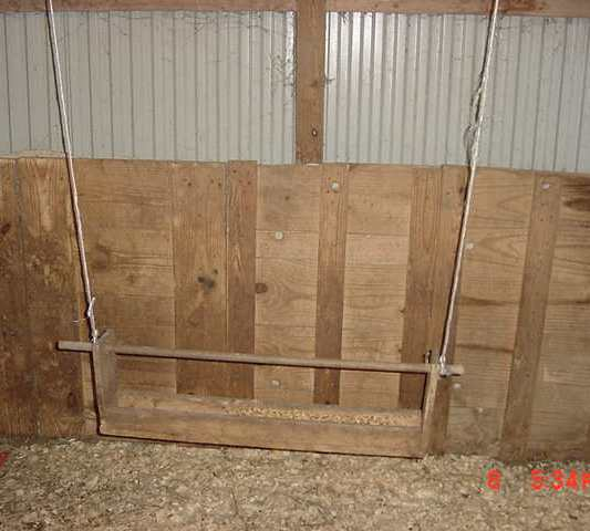 Hanging kid feeder - MVC-026S.jpg