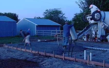 MVC-015S - pouring concrete just after daylight - 1.jpg